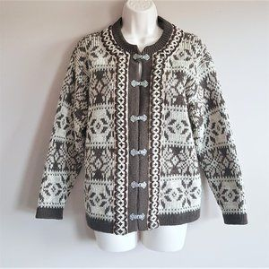 Nordstrikk Norwegian vintage virgin wool cardigan.